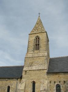 Eglise Saint Rémy de Manvieux - Clocher façade sud