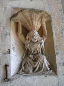Eglise Saint Aubin de Vaux sur Aure - Bénitier