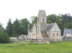 Eglise Saint Aubin de Vaux sur Aure - Vue d'ensemble