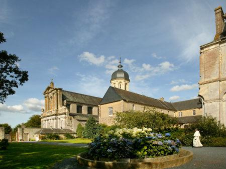 Abbaye-St-Martin---Juaye-Mondaye