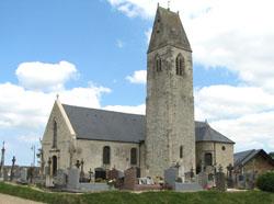 Eglise Saint Nicolas de Monceaux en Bessin - Vue d'ensemble