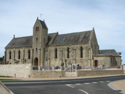 Eglise Saint Martin de Tracy sur Mer - Vue d'ensemble
