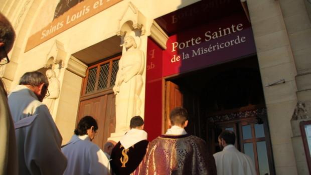 Porte sainte Lisieux