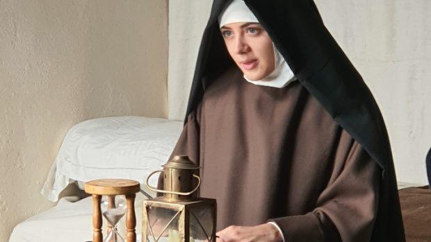 Lou Gala jouant sainte Thérèse